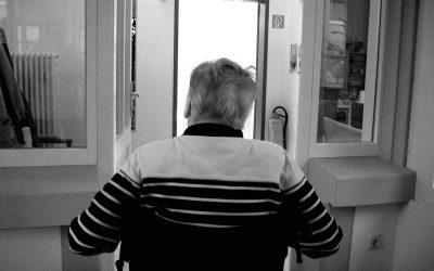 Tips to Help Seniors Survive Allergy Season